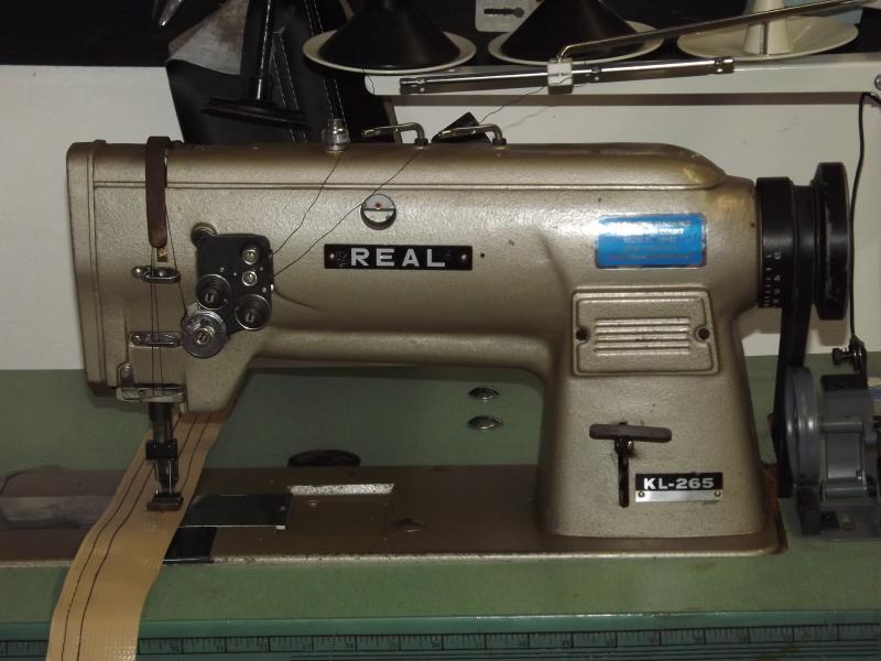 Real KL-265 Double Needle 3/8 gaugle with Table Stand & 110V Motor  copy of a Si